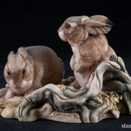Два зайца на лужайке, Hawik, Великобритания, 1984 г