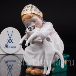 Фарфоровая статуэтка Девочка с кошкой Meissen, Германия.