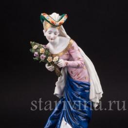 Фарфоровая статуэтка девушки Дама с букетом роз, Dressel, Kister & Cie, Германия, нач. 20 века.